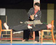Sonsanim Ko Myong und Sabomnim Christian Schmitt beim Hypnose Bruchtest